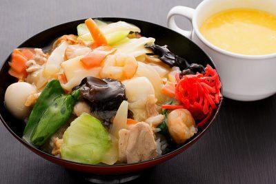 中華丼(スープ付き)870円