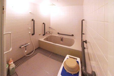 バリアフリートイレ付き浴室